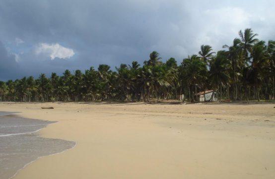 Działka z 60. m. linii brzegowej przy przepięknej plaży
